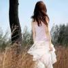 她消失后那笑也没消失,在我的心里留了很久