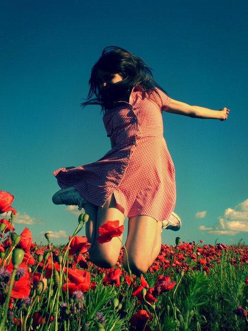原创诗歌 | 花儿与少女 ——献给我的女孩们,侄女霞和慧--2014-02-20
